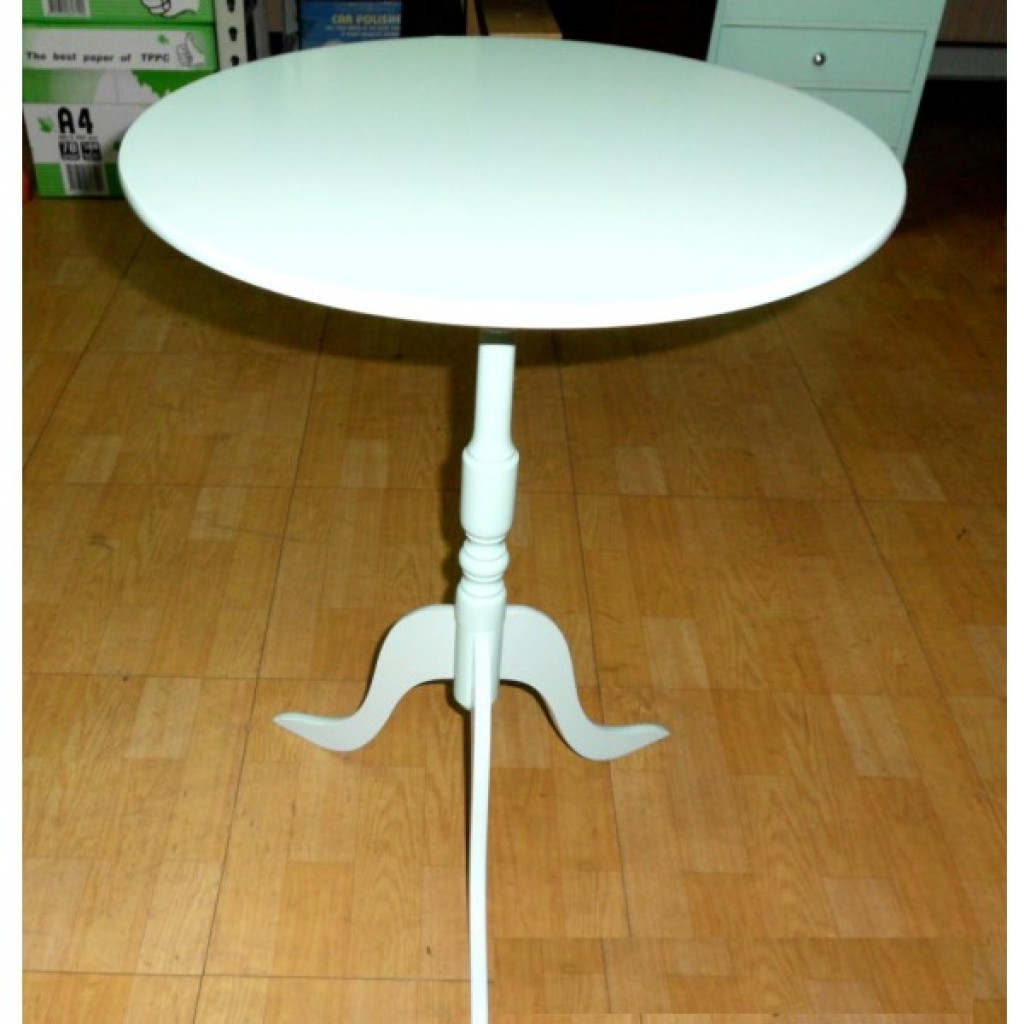 11118-400 Wooden Round Table