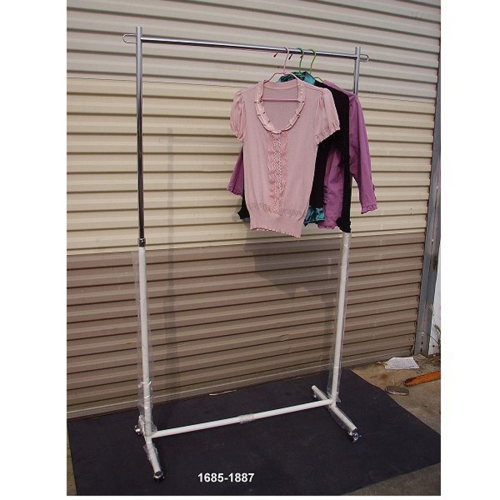 11685-1887 Shopping mall display hanger